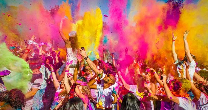 Bollyboom Holi, best place to celebrate holi in mumbai